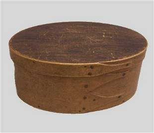SHAKER OVAL BENTWOOD BOX. Old natural finish with