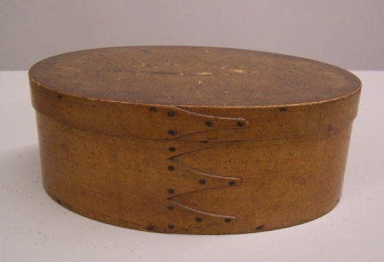 SHAKER OVAL BENTWOOD BOX. Old finish with a thin c