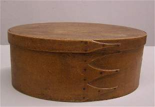 SHAKER OVAL BENTWOOD BOX. Old golden brown surfac