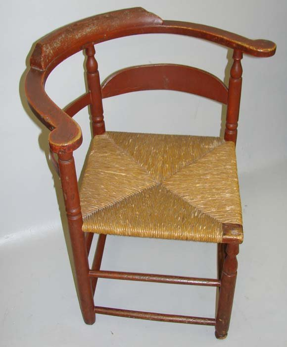 16: PAINTED COUNTRY CORNER CHAIR.