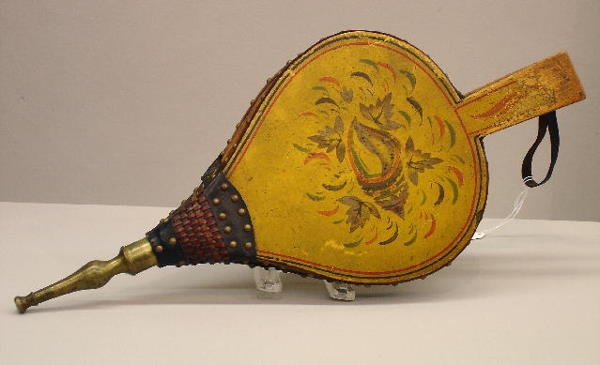 3: DECORATED BELLOWS. Colorful original decoration incl