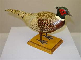 CARVED WOODEN PHEASANT. Good form with realistic po