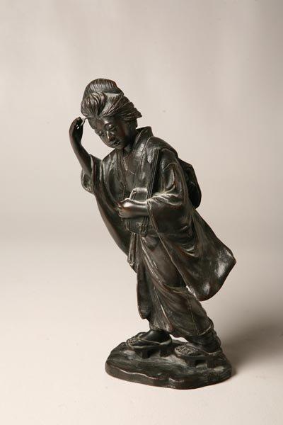 428: JAPANESE BRONZE. Meiji period. Figure of a woman c