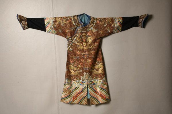 463: CHINESE ROBE. 19th Century. Imperial Chi-fu or dra