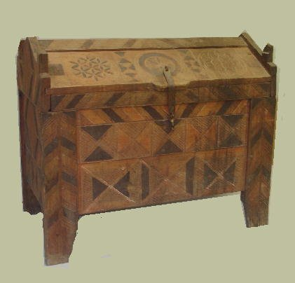 433: ROMANIAN CARVED AND DECORATED CHEST. Oak with the