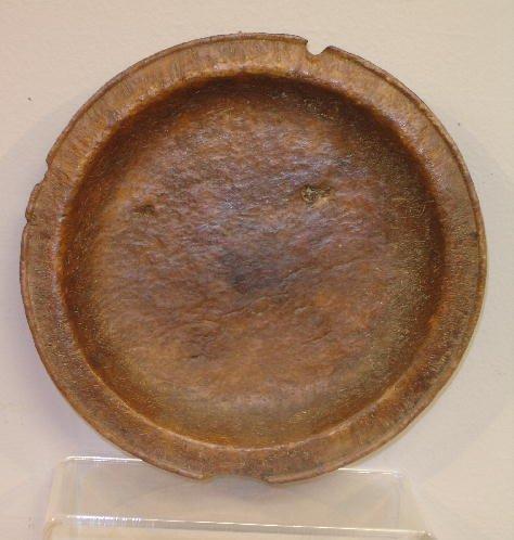 794: BURL PLATE. Tight, slightly raised figure with goo