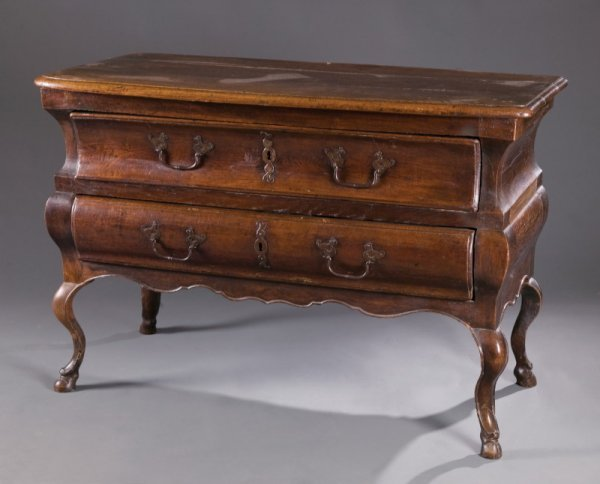 403: FRENCH LOUIS XV COMMODE.