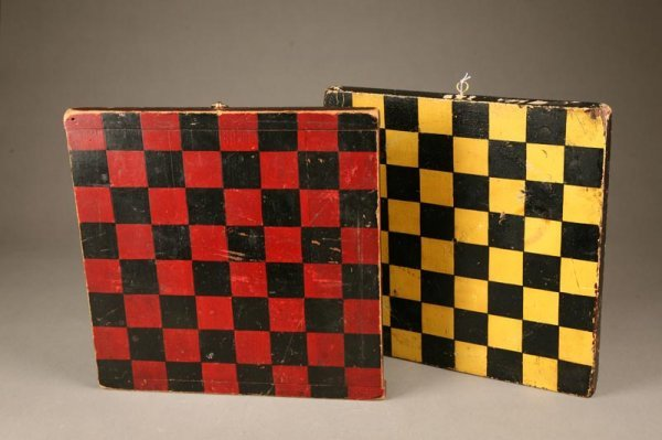1002: THREE VINTAGE TOYS. Gameboard with red and black