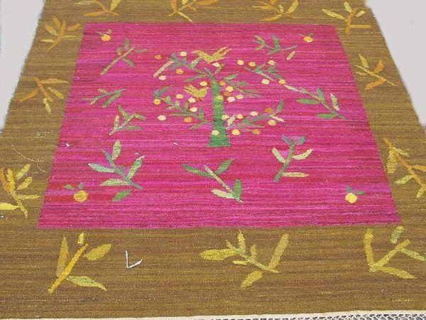 445: WOOL AREA RUG. Flat woven with abrash br