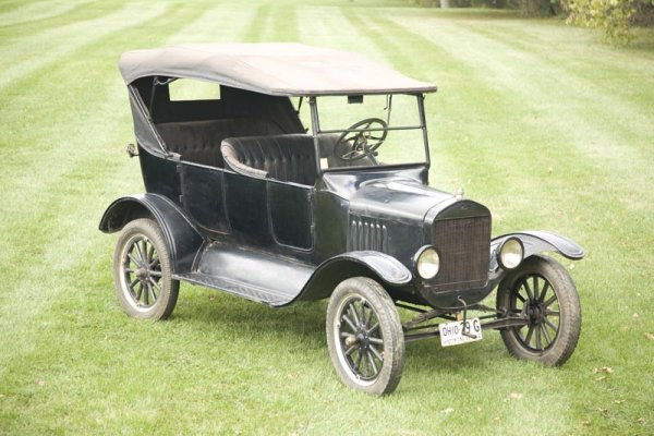 418: 1925 FORD MODEL T TOURING.