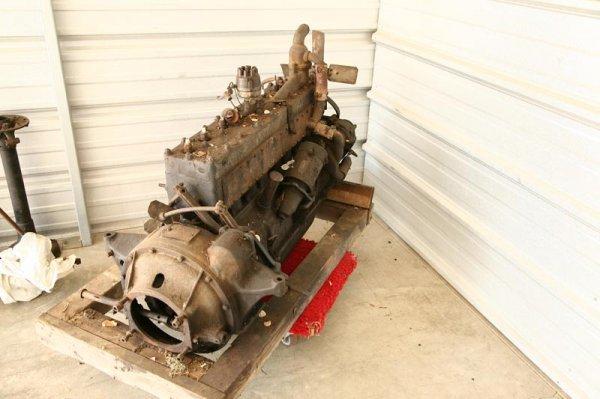 431: KISSEL 1925 SPEEDSTER STRAIGHT EIGHT ENGINE.