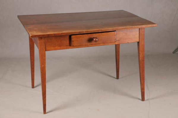 1019: COUNTRY HEPPLEWHITE WORKTABLE. Walnut with old fi