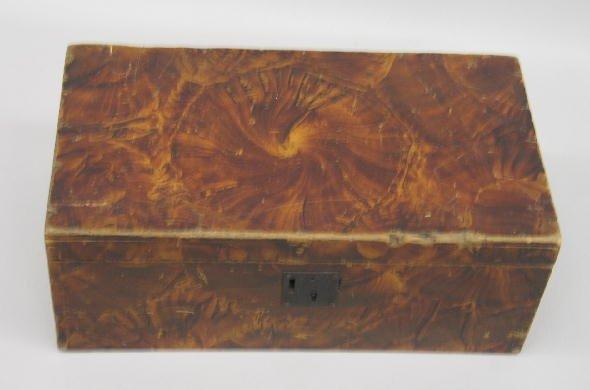 433: DOCUMENT BOX WITH ORIGINAL VINEGAR DECORATION. Bas
