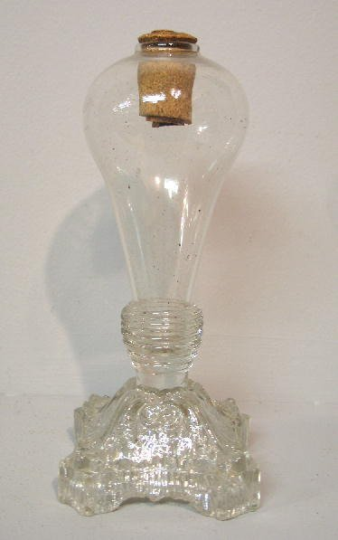 454: GLASS OIL LAMP. Blown pear shaped font and ringed