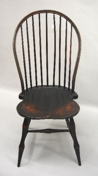 12: SET OF FOUR BOWBACK WINDSOR SIDE CHAIRS. Well-craft