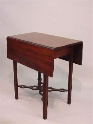 22: FINE CHIPPENDALE PEMBROKE TABLE. Mahogany