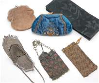 FOUR VINTAGE PURSES AND BEADED PURSE PIECES.