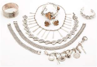 GROUP VINTAGE MEXICAN STERLING SILVER JEWELRY.