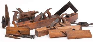 GROUP OF AMERICAN TOOLS AND PLANES.