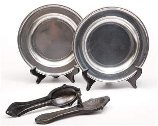TWO AMERICAN PEWTER PLATES AND SPOON MOLD.