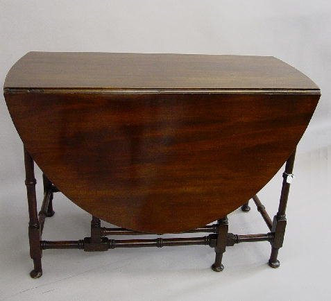 3: ENGLISH QUEEN ANNE STYLE GATE LEG TABLE. M