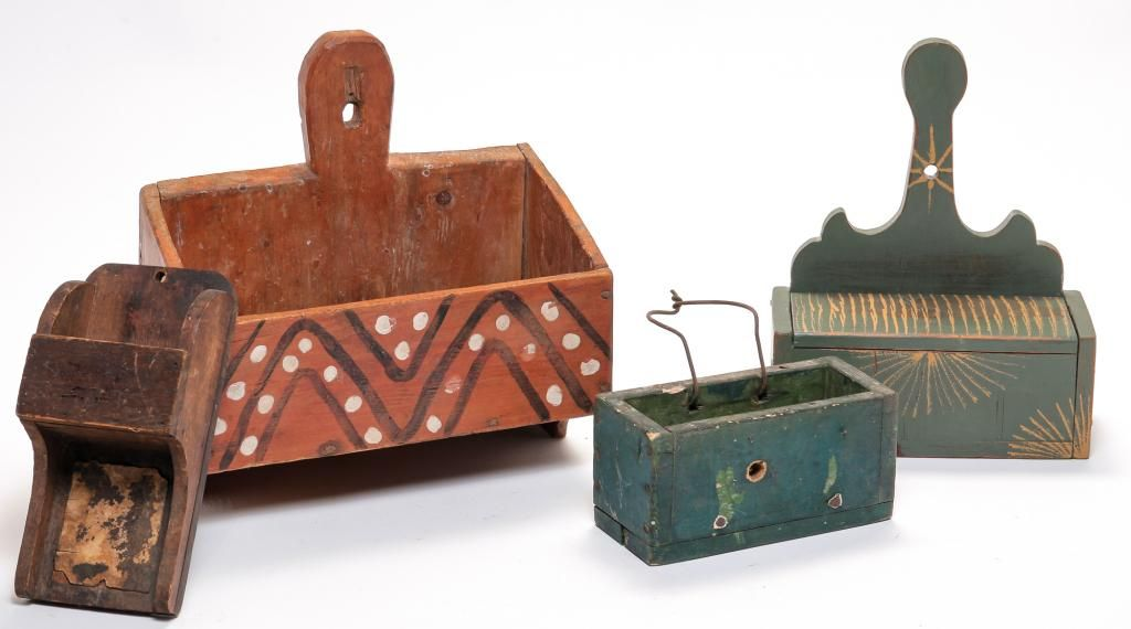 FOUR AMERICAN COUNTRY HANGING BOXES.