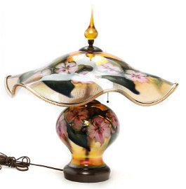 CHARLES LOTTON ART GLASS TABLE LAMP.