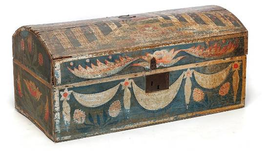 DECORATED DOME TOP BOX.