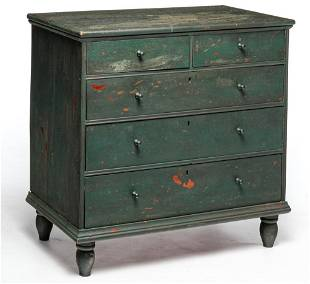 AMERICAN COUNTRY WILLIAM & MARY CHEST.