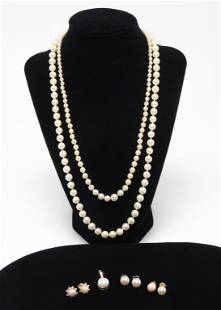 GROUP OF PEARL JEWELRY.