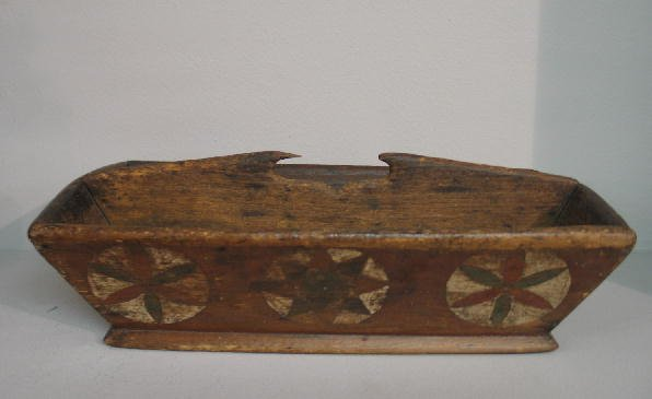 6: DECORATED KNIFE BOX. Pine with canted sides and t-he
