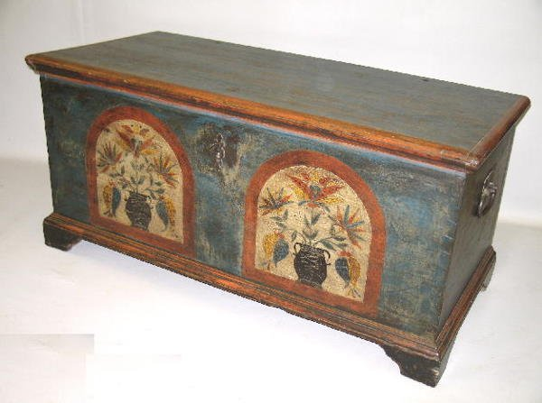 444: DECORATED BLANKET CHEST WITH TILL. Dovetailed case