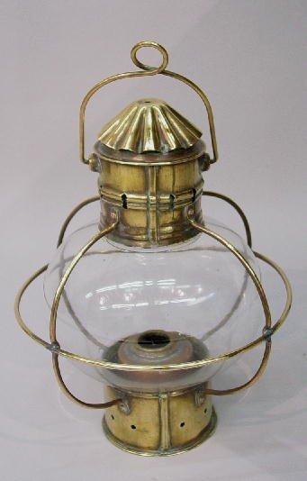 15: ONION GLOBE LAMP. Brass top and base, wir