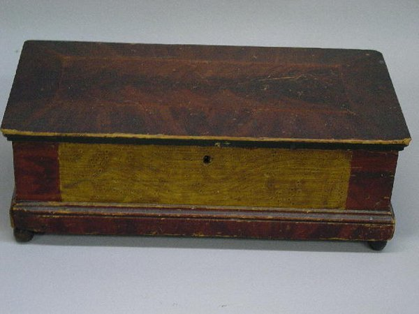 20: DECORATED BOX. Poplar with dovetailed con