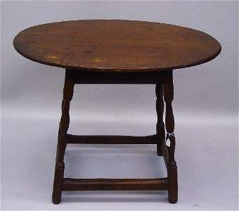 477: COUNTRY QUEEN ANNE TAVERN TABLE. Maple w
