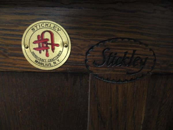 """1001: CONTEMPORARY """"STICKLEY"""" PRAIRIE SETTLE. Oak in a  - 2"""