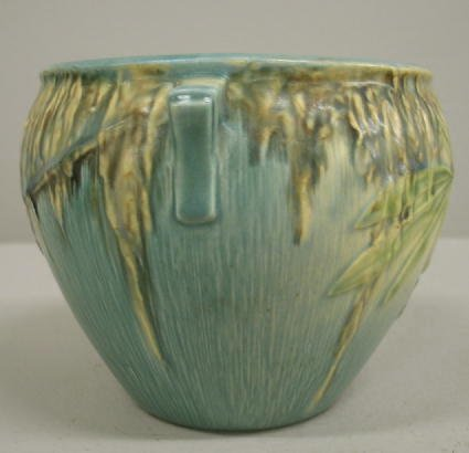 1003: ROSEVILLE MOSS HANDLED BOWL. Ivory to blue glaze. - 3