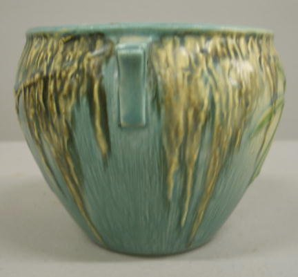 1003: ROSEVILLE MOSS HANDLED BOWL. Ivory to blue glaze. - 5