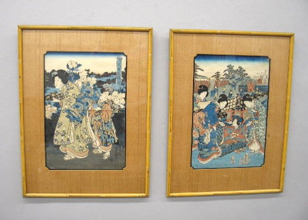 19: TWO JAPANESE WOODBLOCK PRINTS. Two women in Peony G