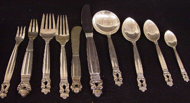 "16: ""GEORG JENSEN"" STERLING FLATWARE. Assembl"
