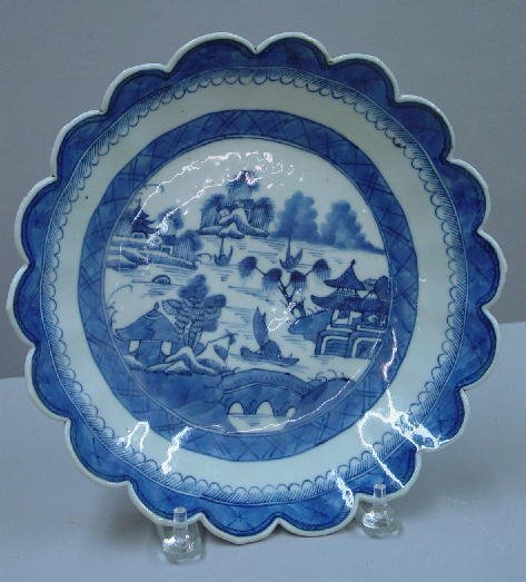 16: CANTON PLATE. Scalloped edges with medium