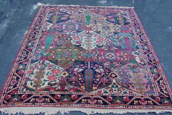 378: ORIENTAL RUG. Garden pattern Bahktiari i