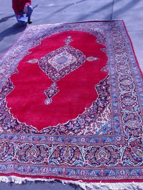 381: ORIENTAL RUG. Room size Kashan with sign