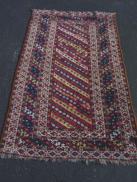 384: ORIENTAL RUG. Shiraz, Caucasian type des