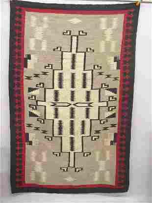 LARGE NAVAHO REGIONAL RUG. Ganado or Kla