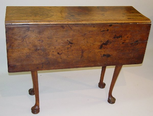 13: SMALL QUEEN ANNE DROP LEAF TABLE. Cherry
