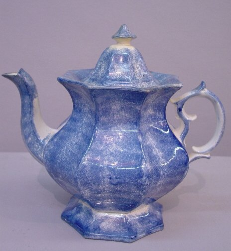 15: SPATTERWARE TEAPOT. Medium  to dark blue
