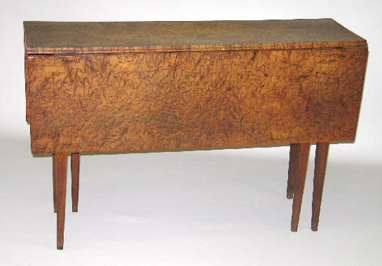 18: COUNTRY HEPPLEWHITE DROP LEAF TABLE. The narrow top