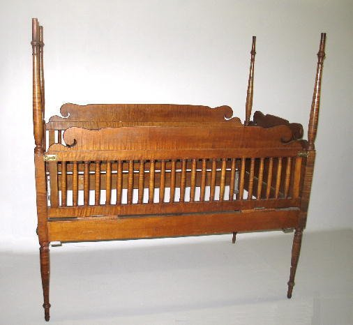 362: SHERATON POSTER CRIB. Curly maple with an old warm