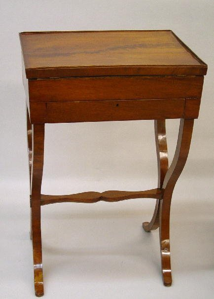 20: CONTINENTAL NEOCLASSICAL  WORK TABLE. Figured mahog